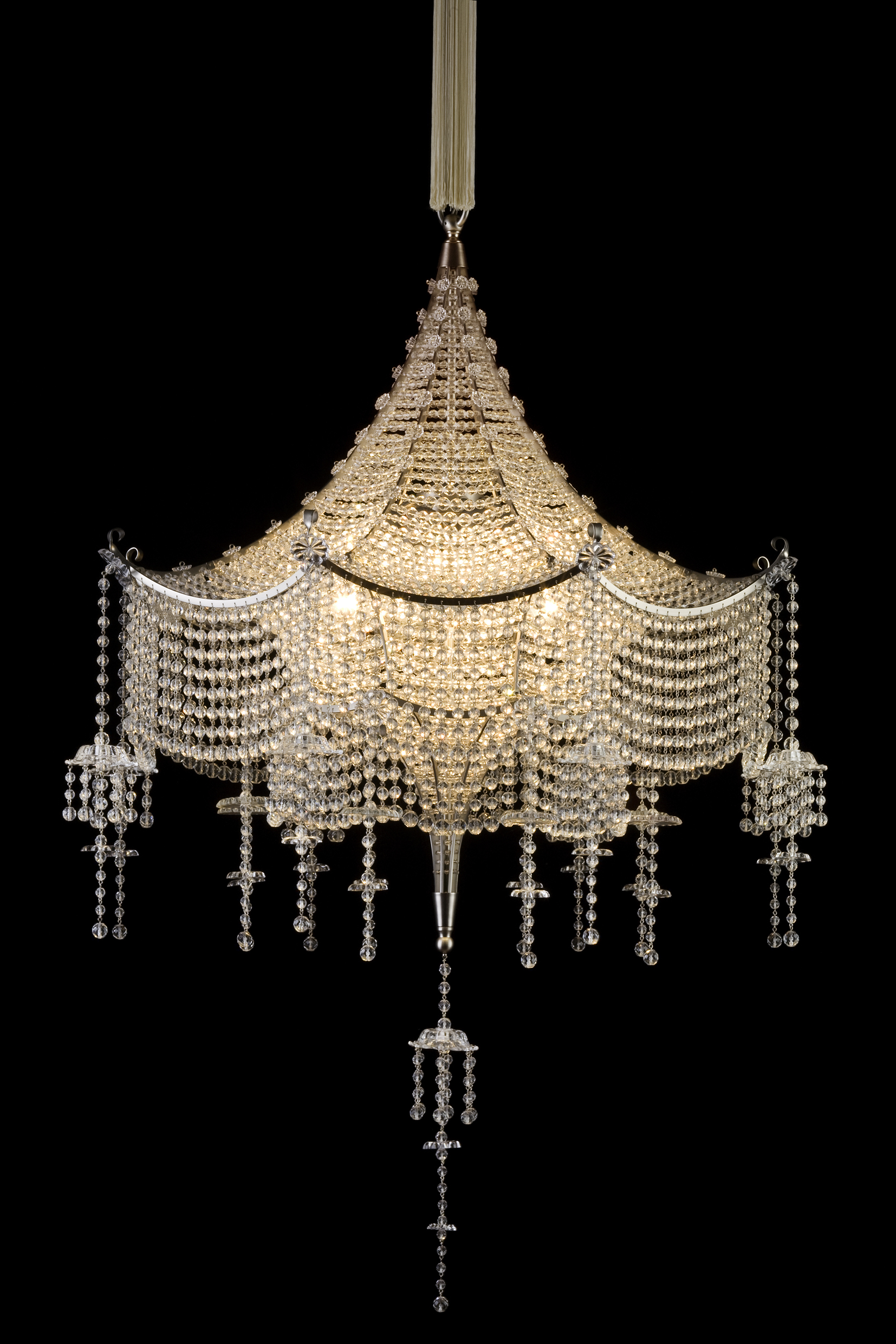 Report from the opening of the exhibition chandeliers juwels of j l lobmeyr chineserluster fr das wiener theater scala aloadofball Choice Image