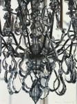 Martin von Ostrowski, Kronleuchter Marmorsaal Sanssouci schwarzweiss, 1999; Öl auf Leinwand, 80 x 60 cm; Photo: Martin von Ostrowski © Martin von Ostrowski, Berlin