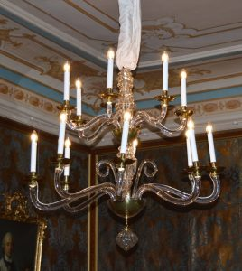 Kronleuchter & Licht am Anfang des 18. Jh. in Sachsen / Chandeliers & Light in Saxony at the beginning of the 18th C.